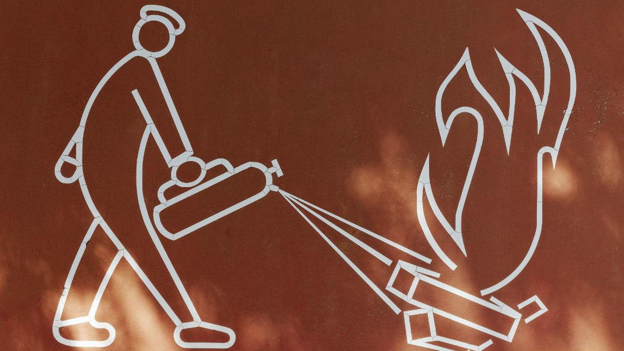 """Крошечные """"огнетушители"""" внутри литиево-ионных аккумуляторов помогут остановить возгорание"""
