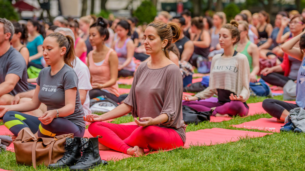 """""""Горячая йога"""" помогает избавиться от эмоционального переедания и негативных мыслей"""