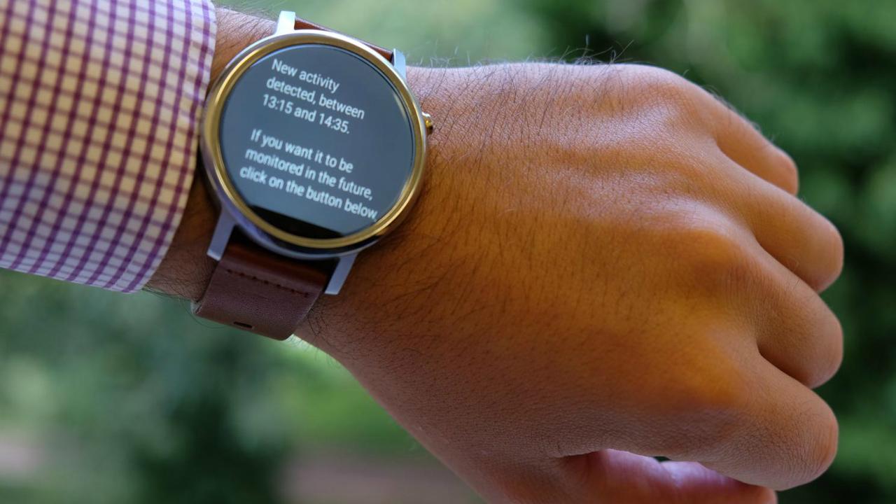 """Шпион на запястье: """"умные"""" часы отследят каждый шаг пользователя"""