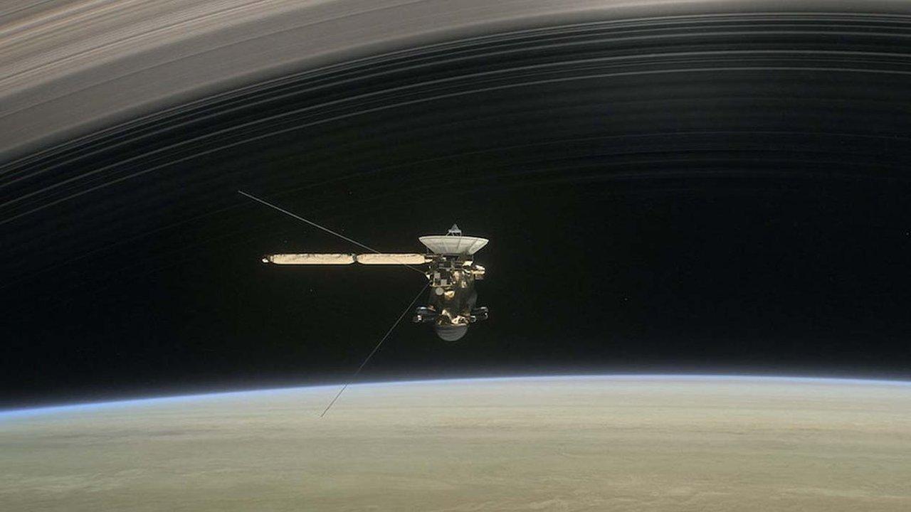 """""""Кассини"""" сгорел в атмосфере Сатурна"""