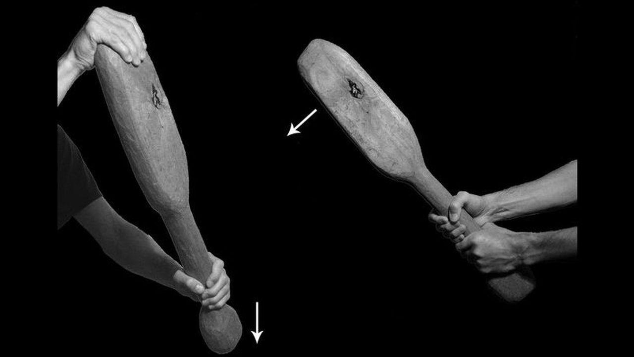 """Археологи выяснили силу удара древних дубинок, тренируясь разбивать """"черепа"""""""