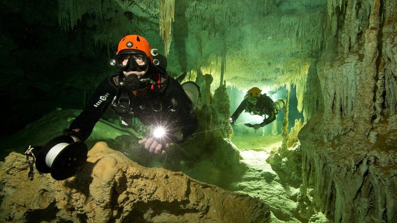 Открыта крупнейшая в мире подводная система пещер, хранящая артефакты майя