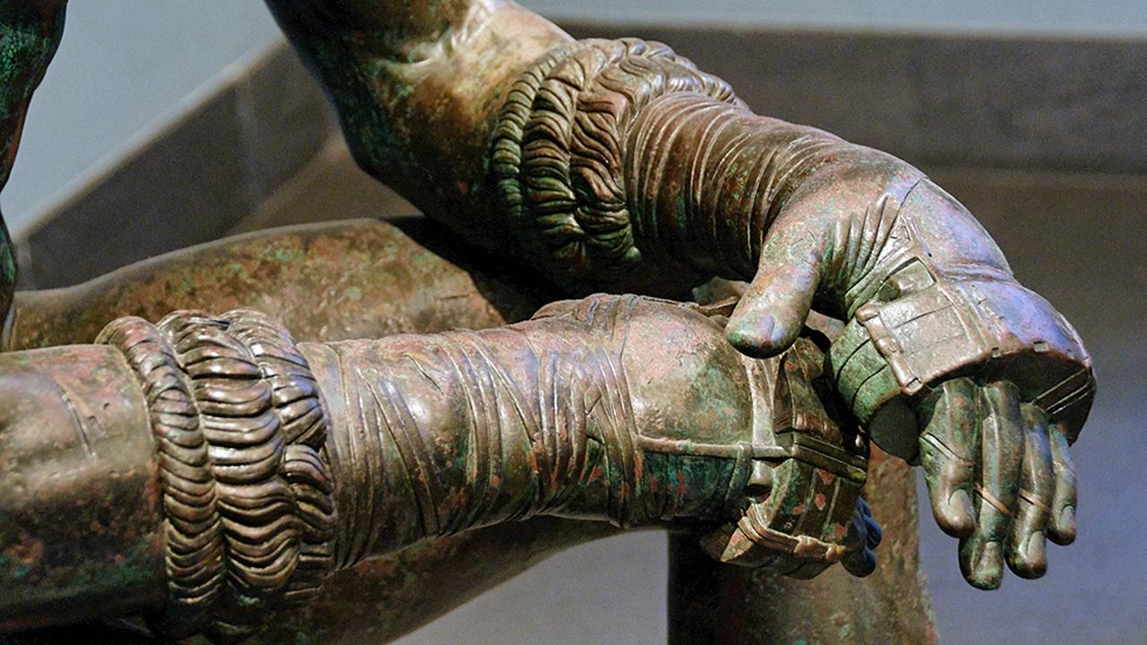 """Редчайший артефакт: в Виндоланде нашли древнеримские """"боксерские"""" перчатки"""