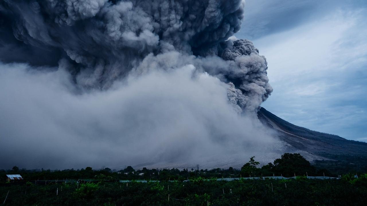 Почему человечество выжило после мощнейшего извержения супервулкана