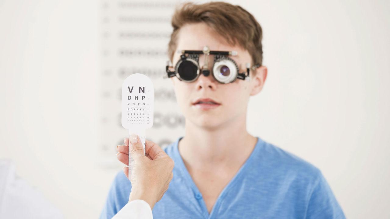 Инженеры изобрели новый метод восстановления зрения при близорукости