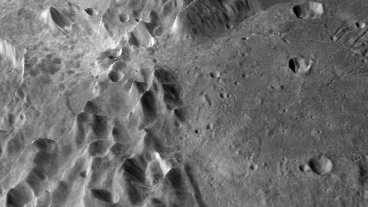 Эльбрусы и марианские впадины: опубликованы окончательные 3D-карты Плутона и Харона