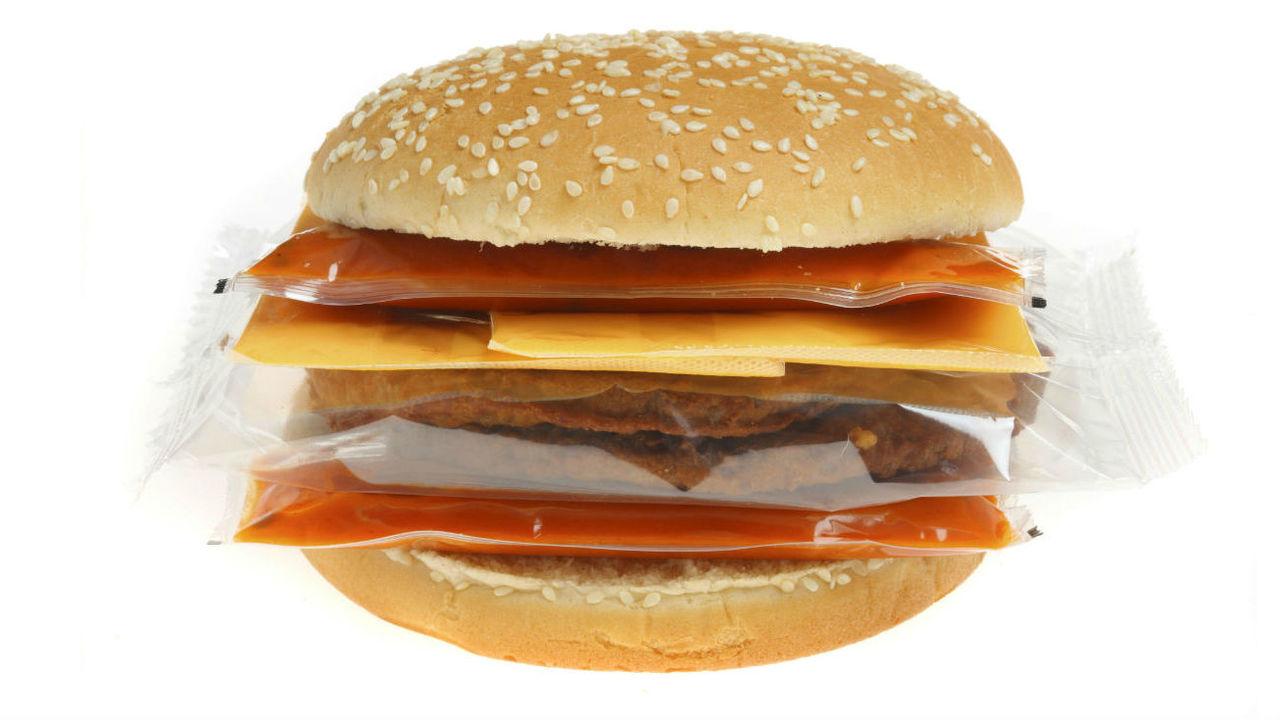 До последней капли: новая суперскользкая упаковка сократит пищевые отходы