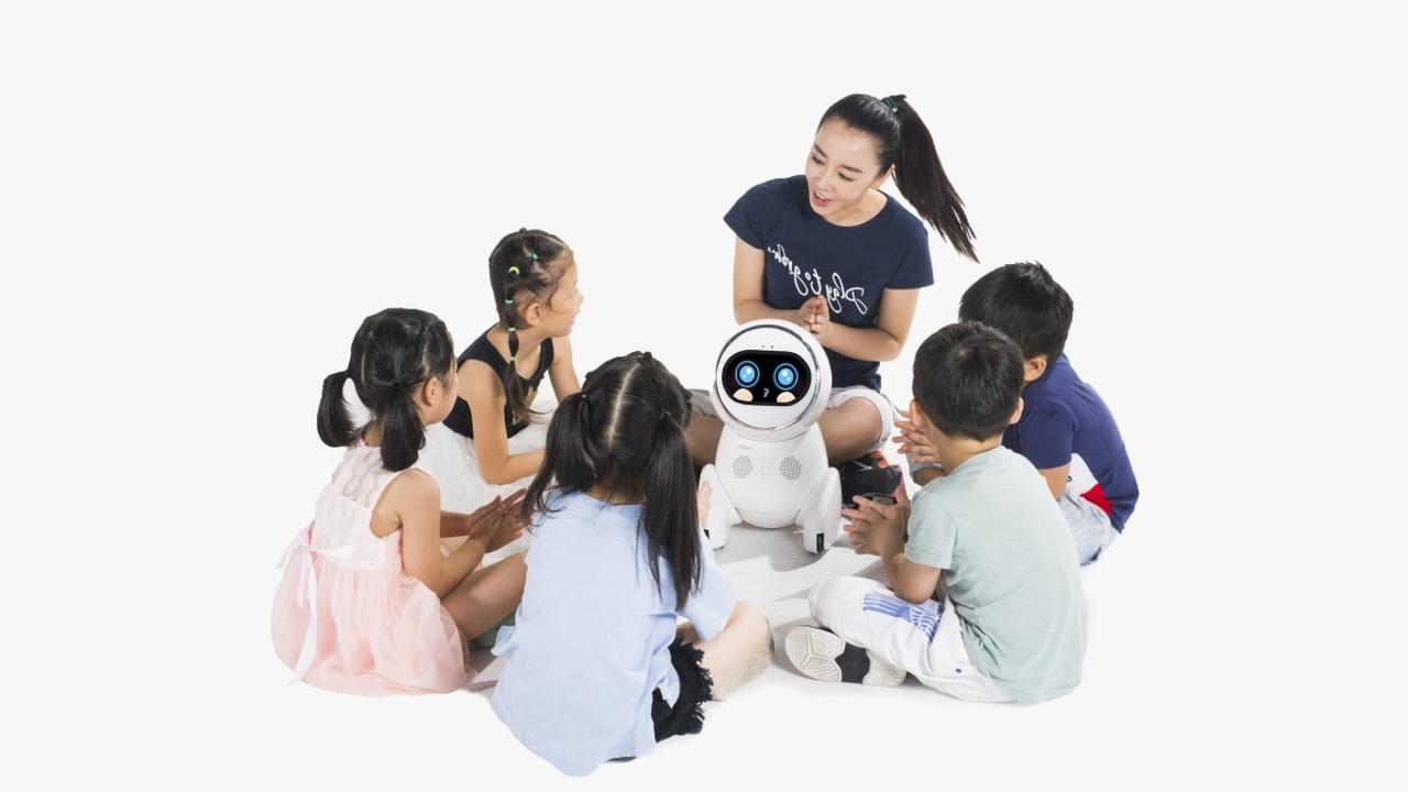 В детских садах Китая поселились роботы-педагоги