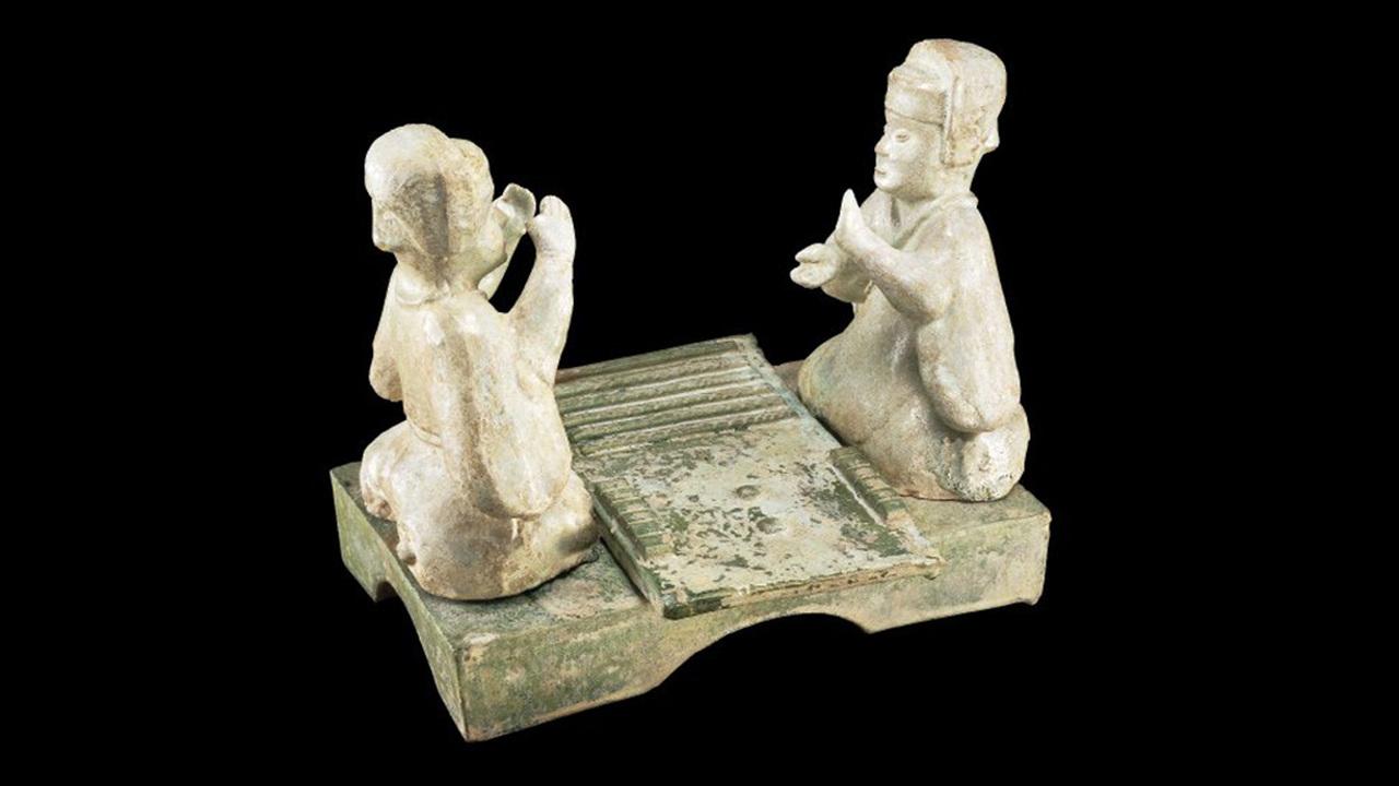 В гробнице самого недостойного императора Поднебесной нашли утраченные правила древней игры