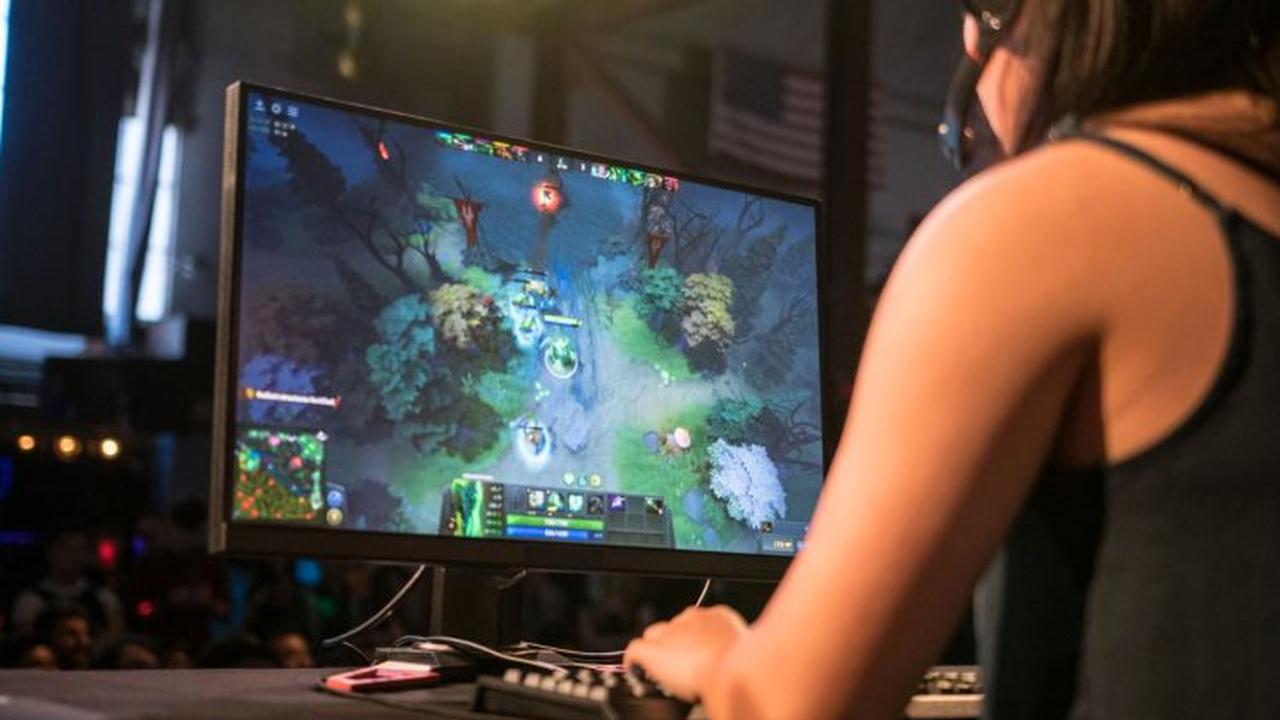 В школах предложили ввести факультатив по Dota 2 и Minecraft. Минпросвещения против