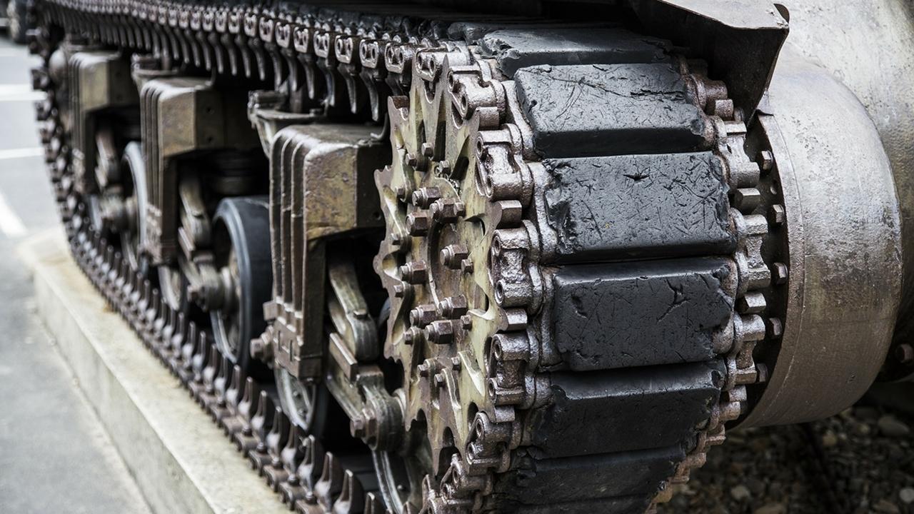 Броня из пены защитит военную технику от пуль