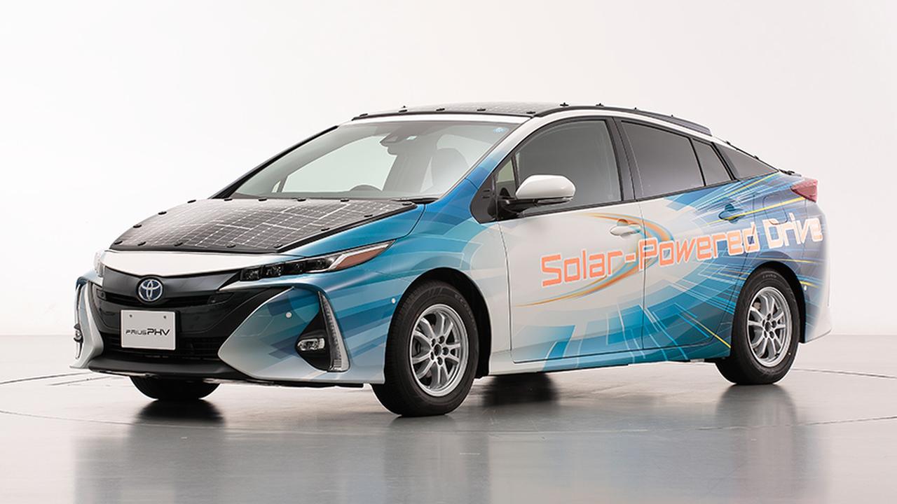 """""""Тойота"""" тестирует новый автомобиль-гибрид на солнечных батареях"""