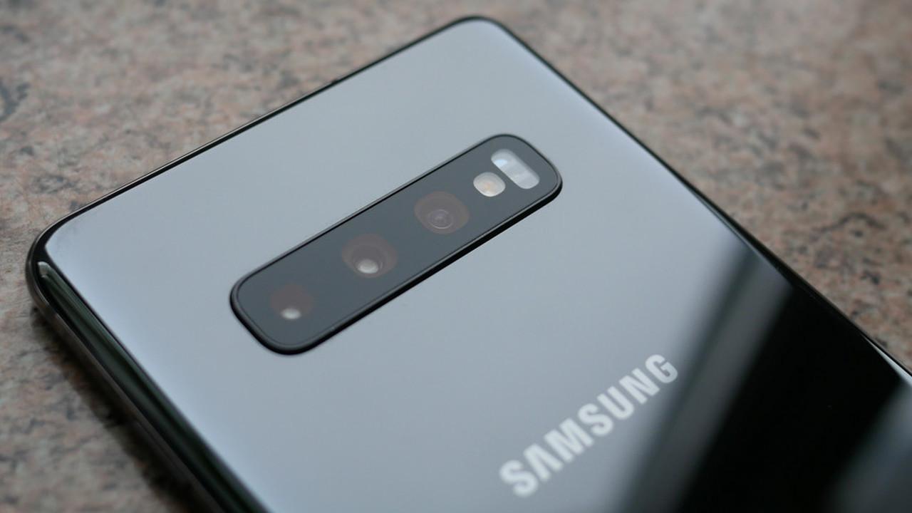 Уязвимость в Android позволяла шпионить через камеру