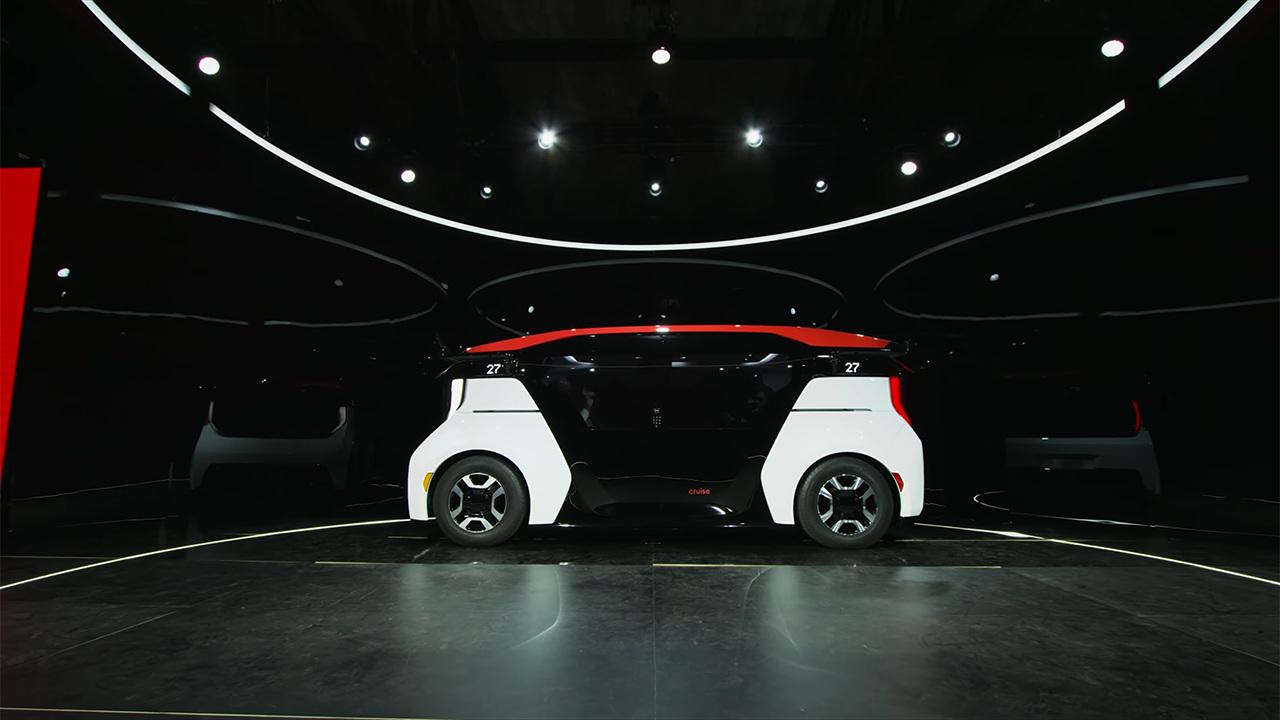 General Motors показала автомобиль будущего без руля и педалей