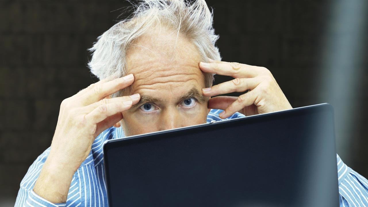 Биологическая головоломка: почему стресс приводит к седине