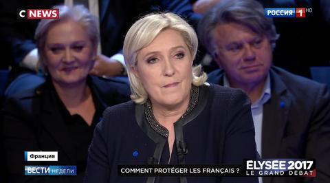 Ле Пен атаковали все остальные кандидаты