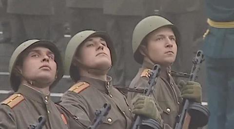 Военный парад, посвященный 72-й годовщине Победы в Великой Отечественной войне 1941-1945 годов. Нижний Новгород. Парад Победы