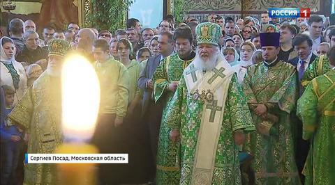 Православные отмечают Троицу