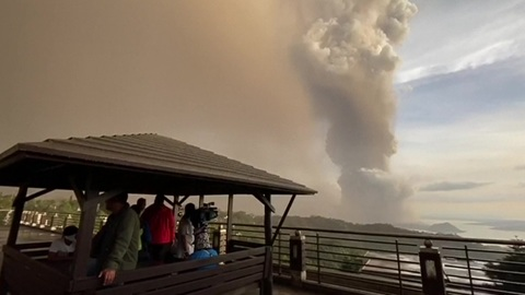 Самое страшное впереди: магма движется к кратеру вулкана на Филиппинах