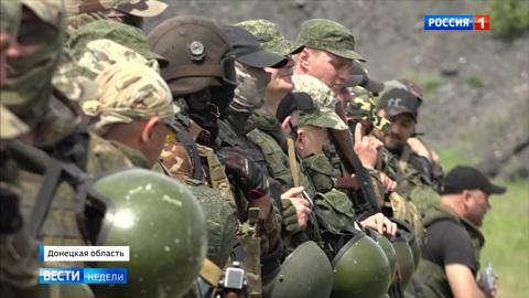 Донбасс воюет на двух фронтах
