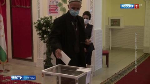 Выборы в Таджикистане: Эмомали Рахмон – главный фаворит