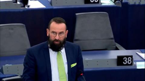 Гей-лицемер из Европарламента и преследование журналистов