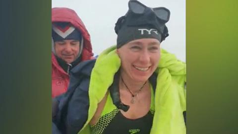Погода 24. На Байкале москвичка установила мировой рекорд по плаванию в ледяной воде