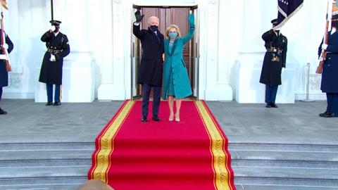 """Новости на """"России 24"""". В США президент Джо Байден официально вступил в должность"""
