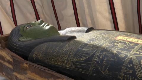 Вести в 20:00. Возраст – более трех тысяч лет: в Египте обнаружили 54 деревянных саркофага