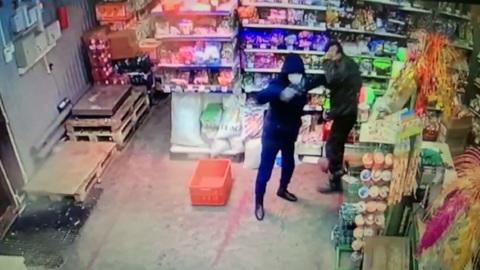 Вести. Два разбойных нападения за один день устроил житель села в Туве