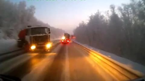 ЧП. Грузовик протаранил маршрутку под Мурманском. Видео