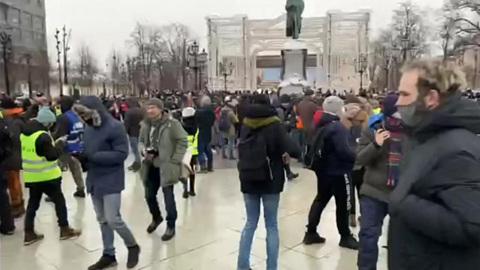 """Новости на """"России 24"""". Серьезных происшествий на акциях протеста не зарегистрировано"""