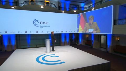 Странность Меркель и