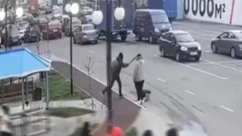 ЧП. В Краснодаре подросток ударил битой женщину, сделавшую ему замечание