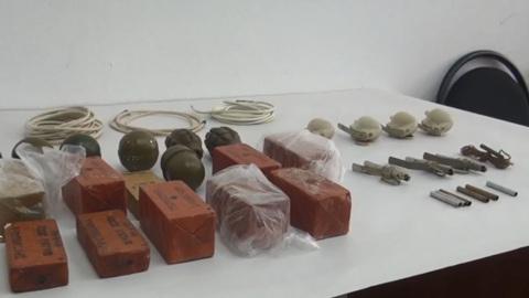 В кабинете томского коммерсанта нашли гранаты и тротил