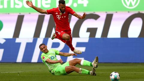 """""""Бавария"""" выиграла в Вольфсбурге и упрочила лидерство в бундеслиге"""