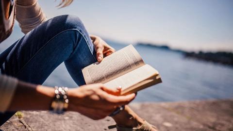 Какие книги выбрать для путешествия на море
