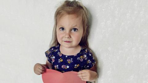 Маленькую Соню Круглову спасет операция на сердце