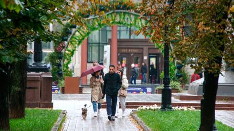 Циклон не отступает: температура в Москве опять опустилась ниже нормы