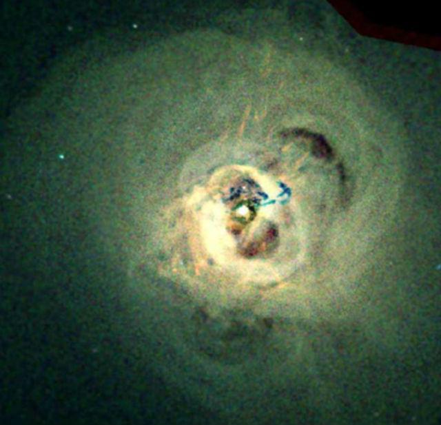 """Снимок рентгеновского телескопа """"Чандра"""" ≈ центральная часть Скопления Персея"""
