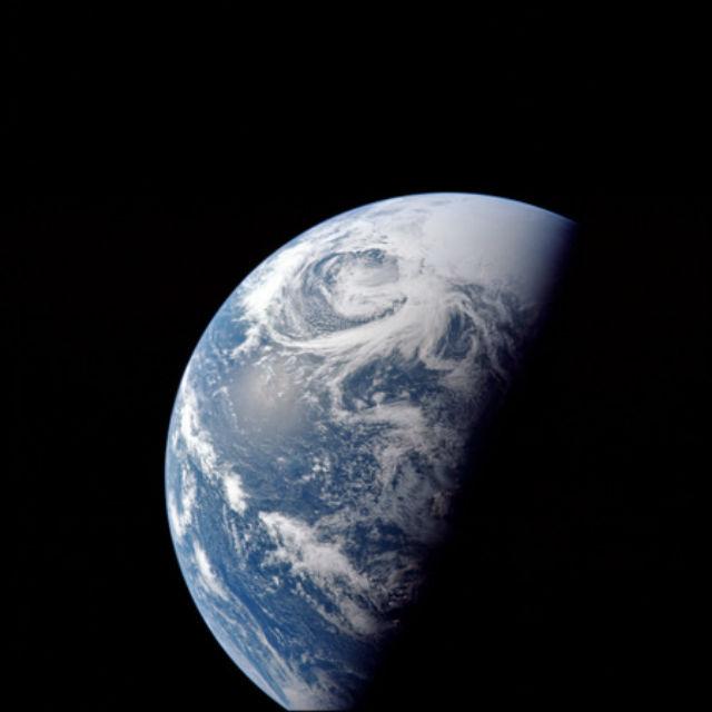 """Снимок Земли, сделанный в ходе миссии """"Аполлон-13"""", 1970 год"""