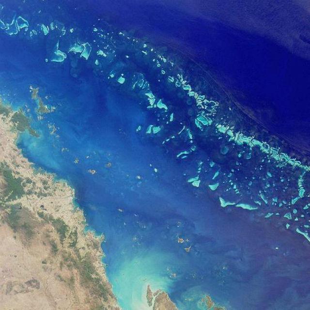 Большой Барьерный риф, вид из космоса