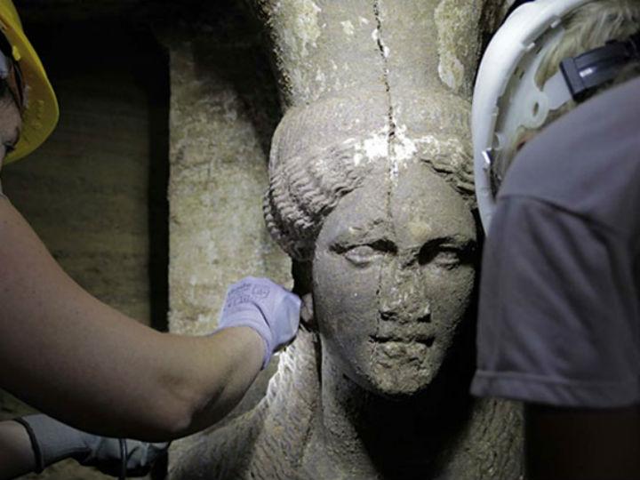 Кариатиды охраняли вход в гробницу македонских цариц