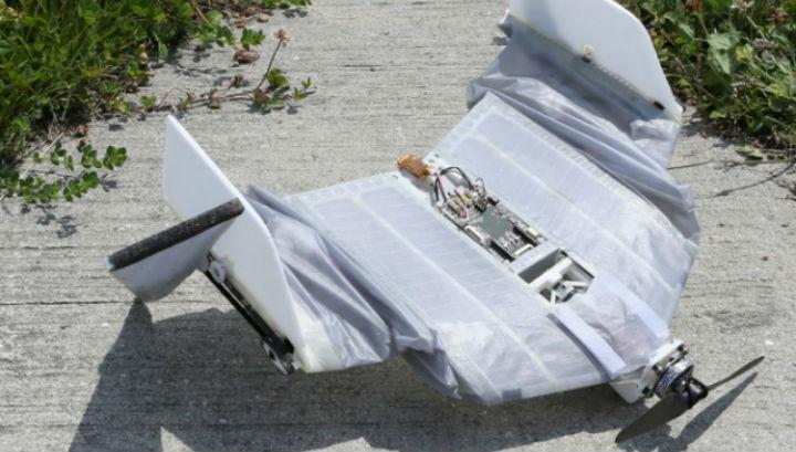 Крылья робота покрыты мягкой тканью