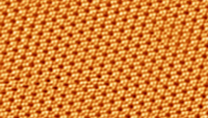 Микрофотография пласта силицена, полученная сканирующим электронным микроскопом