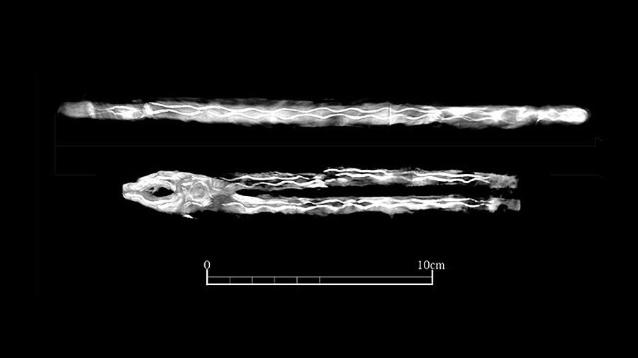 Рентгеновский снимок кузнечных инструментов, найденных в гробнице ╧ 139. Фото:═Kagoshima University Museum