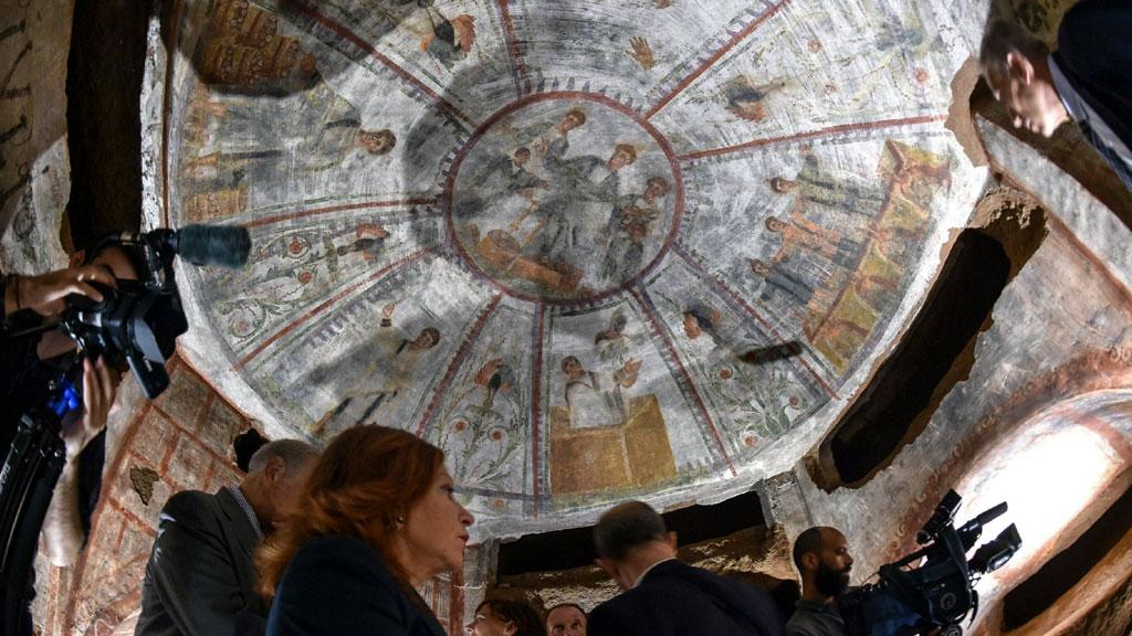 Общий вид одной из потолочных фресок в ╚кубикуле пекарей╩. Фото с сайта thehistoryblog.com