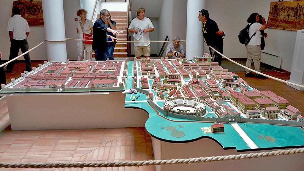 Модель города и военного лагеря (каструма). Фото: viminacium.org.rs