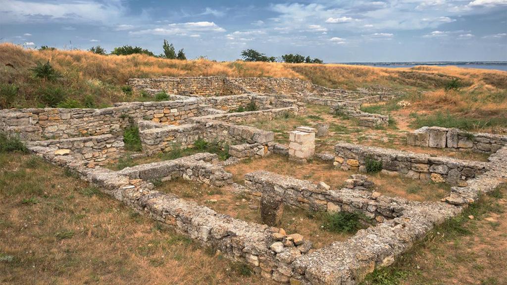 Руины древнегреческой колонии Ольвия на берегах Буга. Фото с сайта relax.com.ua