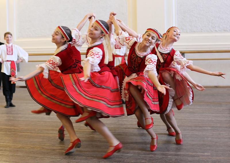 опухолей фото основных движений белорусских народных танцев овечкин
